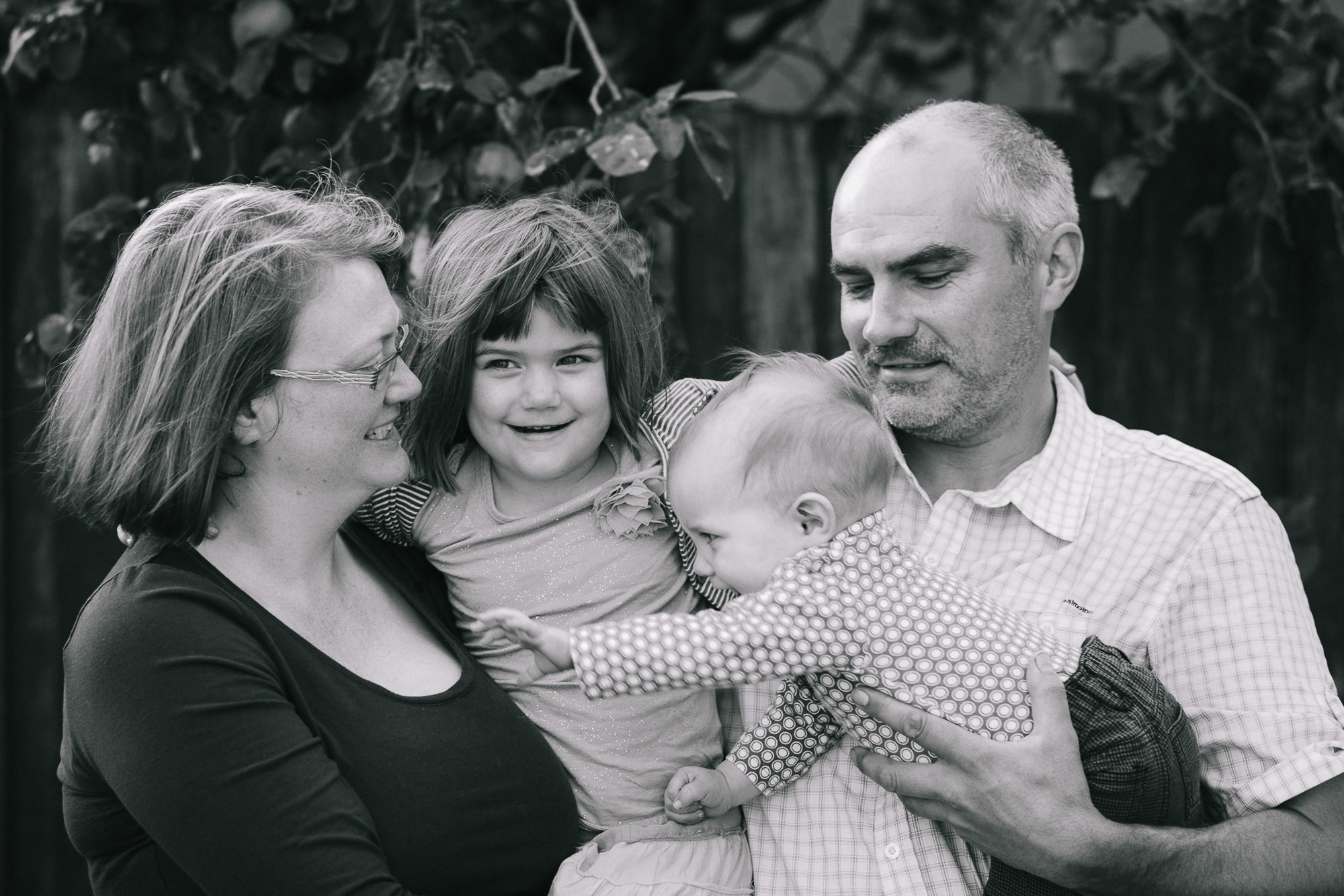 The-Parkers-Quirky-Fun-Family-Photos-02