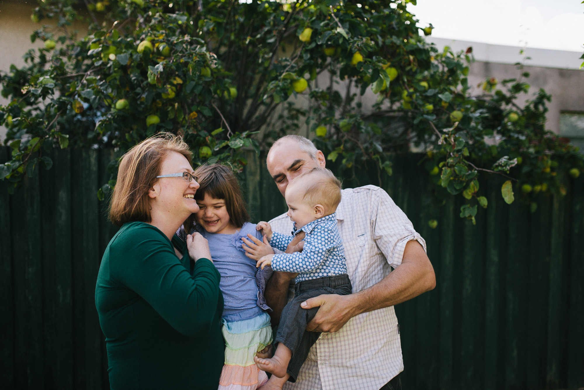 The-Parkers-Quirky-Fun-Family-Photos-03