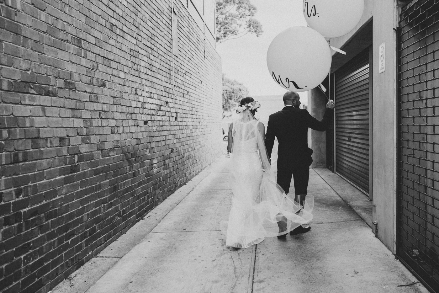 Sam&Daniel-Melbourne-Southside-Informal-Chic-Fun-Black-Rock-Wedding_54