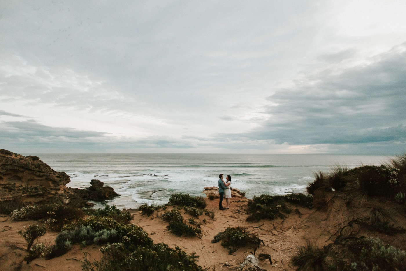 alliedave_mornington-peninsula-back-beach-relaxed-engagement-session_melbourne-candid-wedding-photographer_37