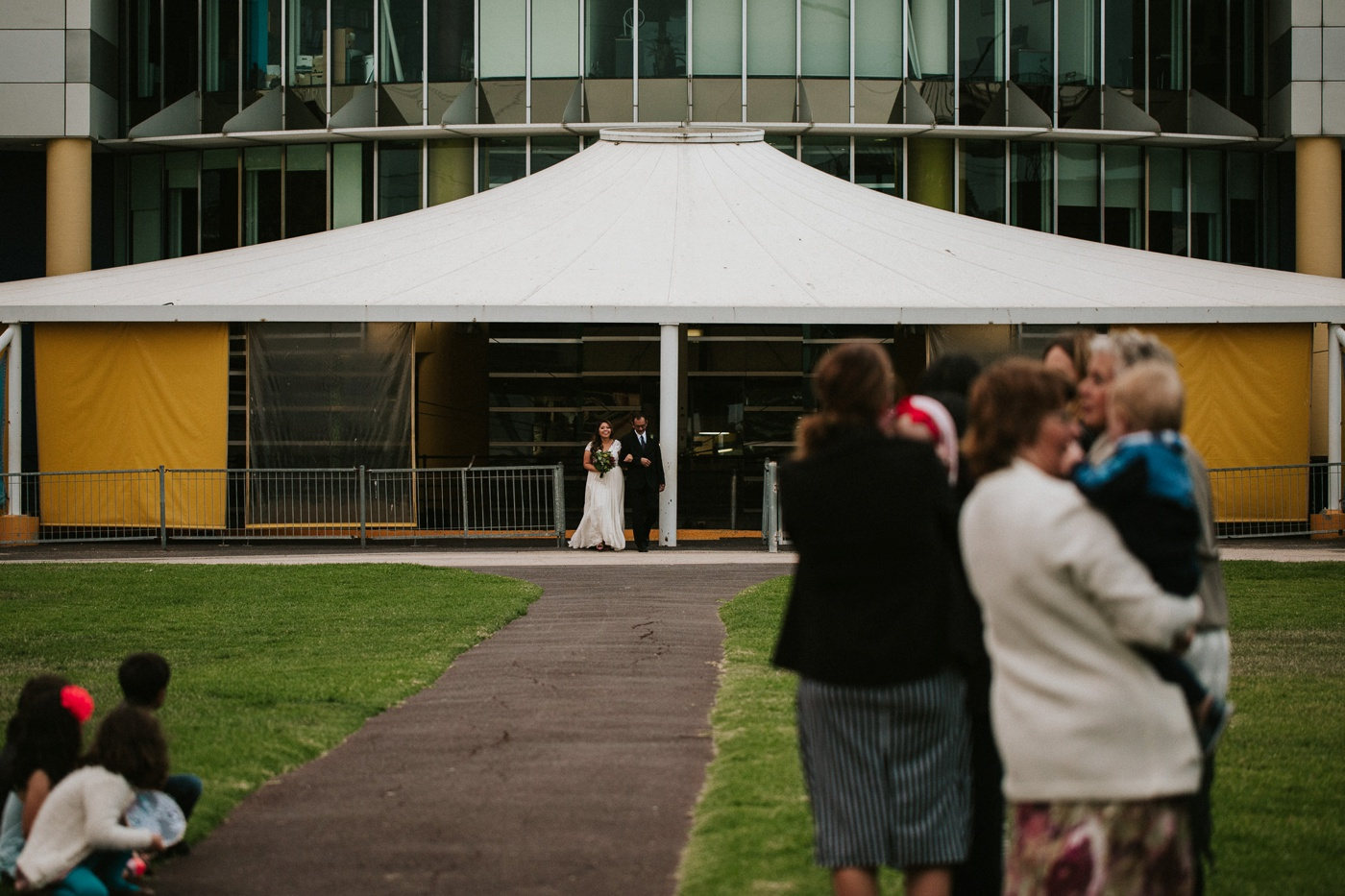 anitadaniel_melbourne-scienceworks-relaxed-fun-geek-wedding_melbourne-candid-wedding-photography_37