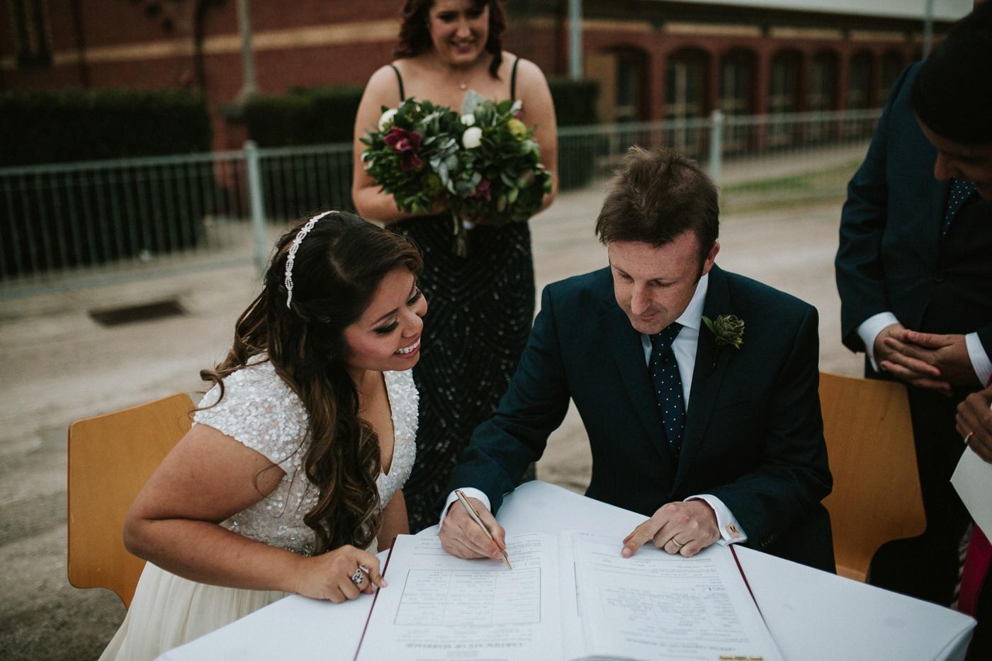 anitadaniel_melbourne-scienceworks-relaxed-fun-geek-wedding_melbourne-candid-wedding-photography_51