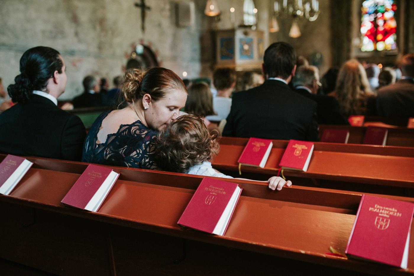 ceciliajoakim_sweden-countryside-summer-wedding_melbourne-fun-quirky-wedding-photography_19