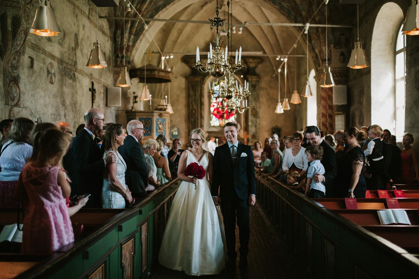 ceciliajoakim_sweden-countryside-summer-wedding_melbourne-fun-quirky-wedding-photography_21