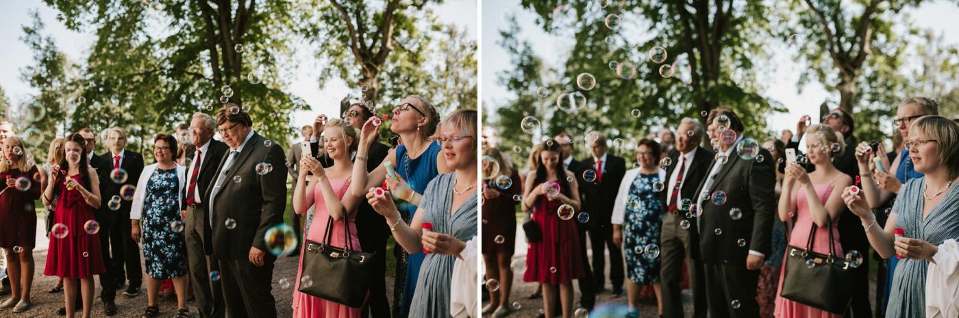ceciliajoakim_sweden-countryside-summer-wedding_melbourne-fun-quirky-wedding-photography_23