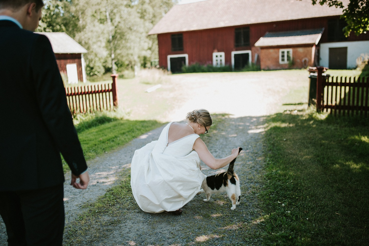 ceciliajoakim_sweden-countryside-summer-wedding_melbourne-fun-quirky-wedding-photography_50