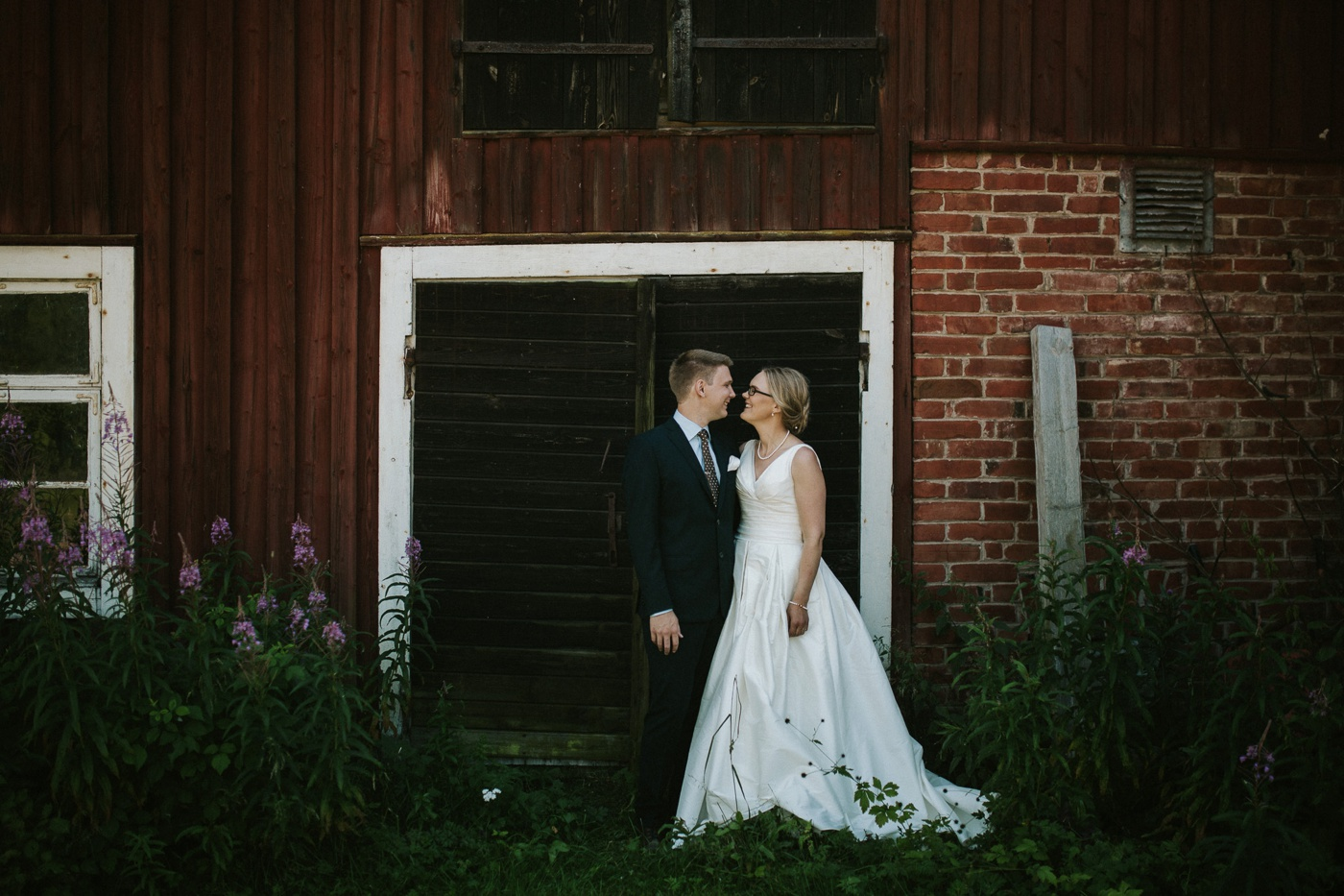 ceciliajoakim_sweden-countryside-summer-wedding_melbourne-fun-quirky-wedding-photography_52