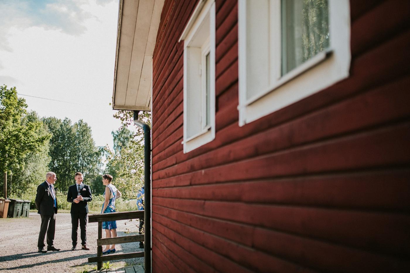 ceciliajoakim_sweden-countryside-summer-wedding_melbourne-fun-quirky-wedding-photography_65