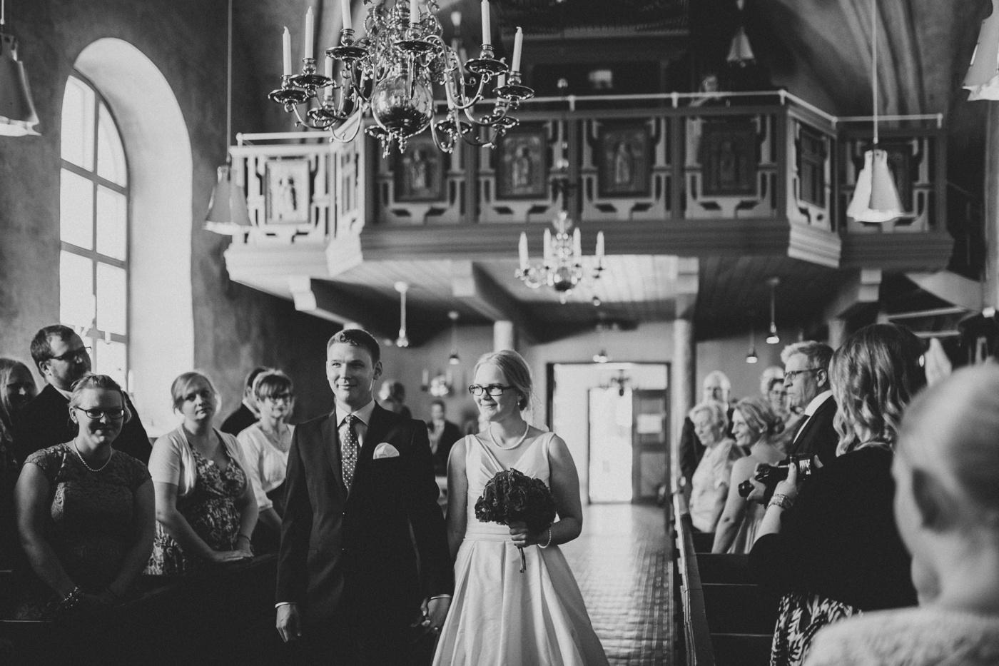 ceciliajoakim_sweden-countryside-summer-wedding_melbourne-fun-quirky-wedding-photography_7