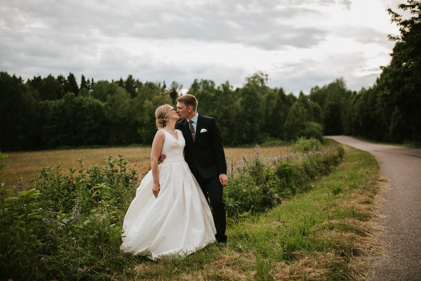 ceciliajoakim_sweden-countryside-summer-wedding_melbourne-fun-quirky-wedding-photography_89