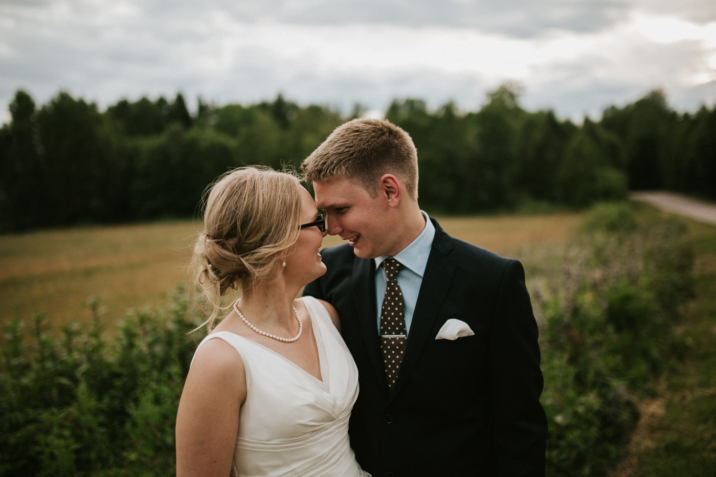 ceciliajoakim_sweden-countryside-summer-wedding_melbourne-fun-quirky-wedding-photography_90
