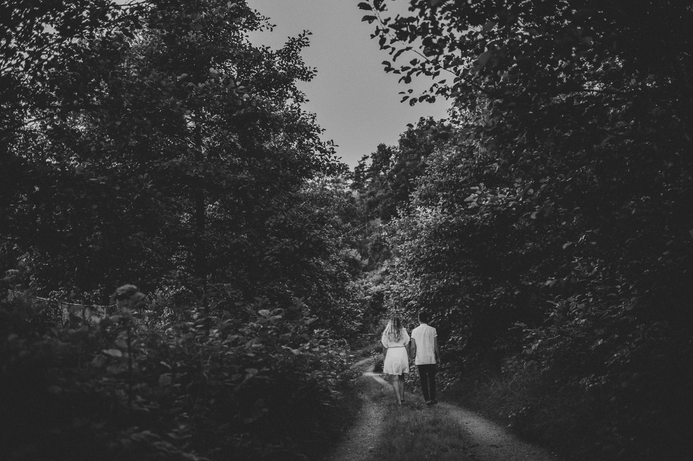 natalie-wictor_swedish-relaxed-candid-quirky-fun-engagement-session_1