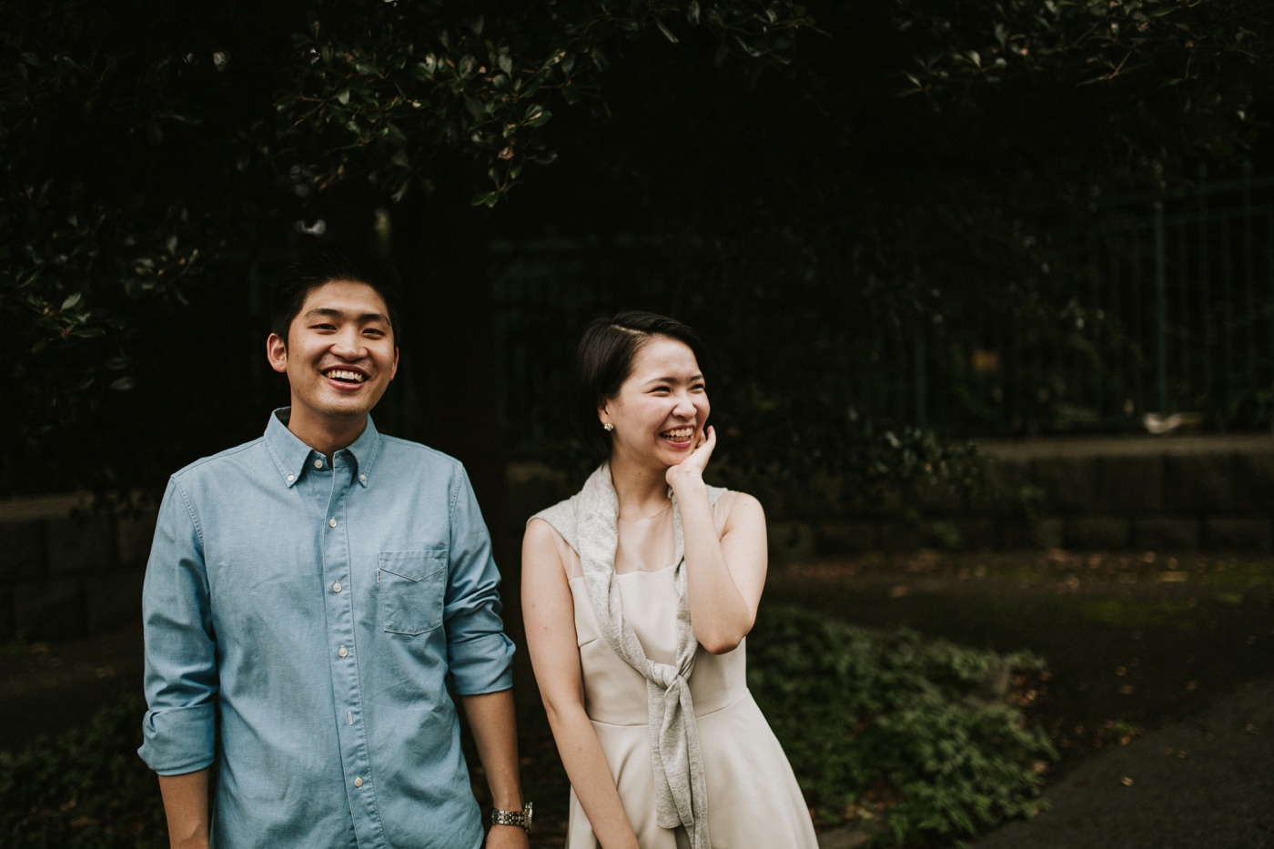 tomoko-shogo_tokyo-relaxed-urban-engagement-session_melbourne-candid-wedding-photography_2
