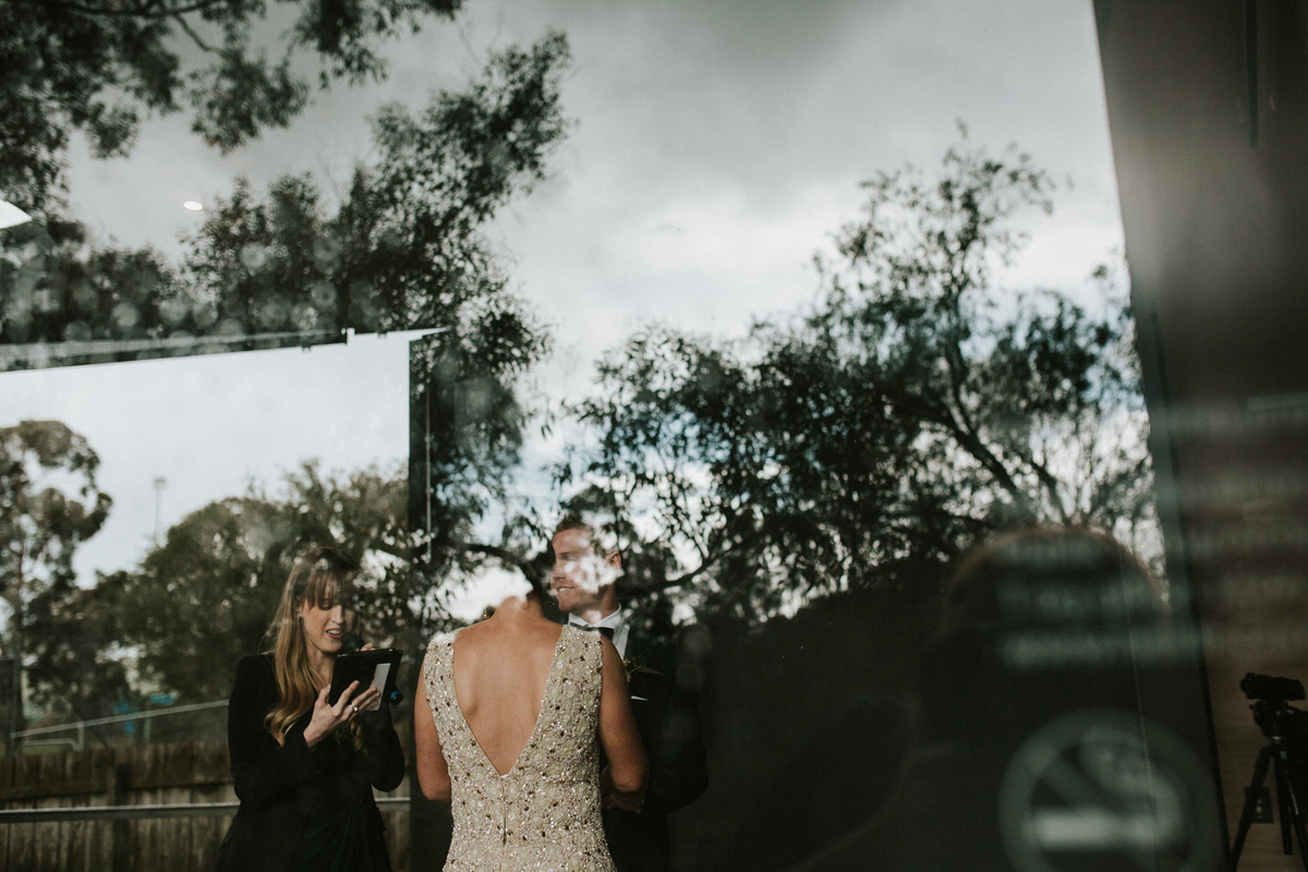 Em&Steve_HeideMuseum_Garden-Fun-Modern-Wedding_Melbourne-Wedding-Photographer_12