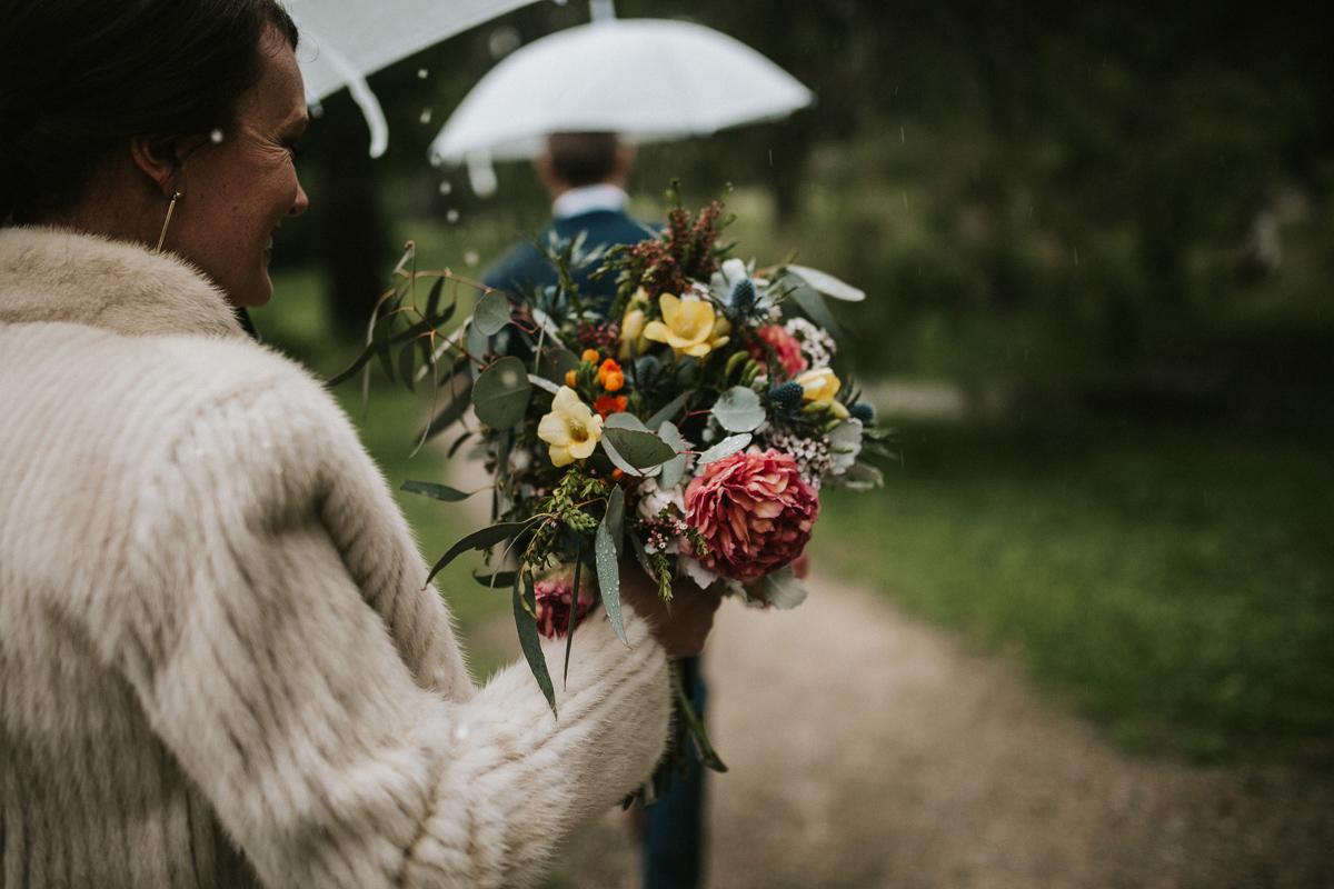 Em&Steve_HeideMuseum_Garden-Fun-Modern-Wedding_Melbourne-Wedding-Photographer_31