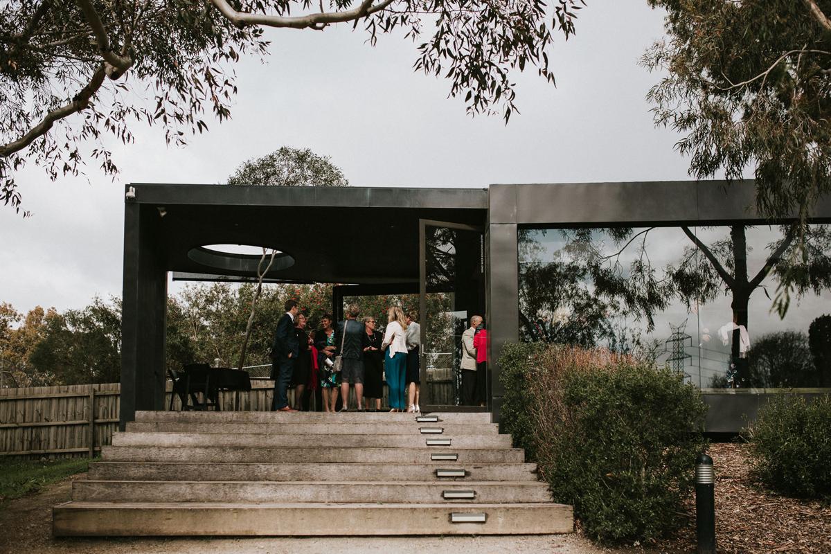 Em&Steve_HeideMuseum_Garden-Fun-Modern-Wedding_Melbourne-Wedding-Photographer_5