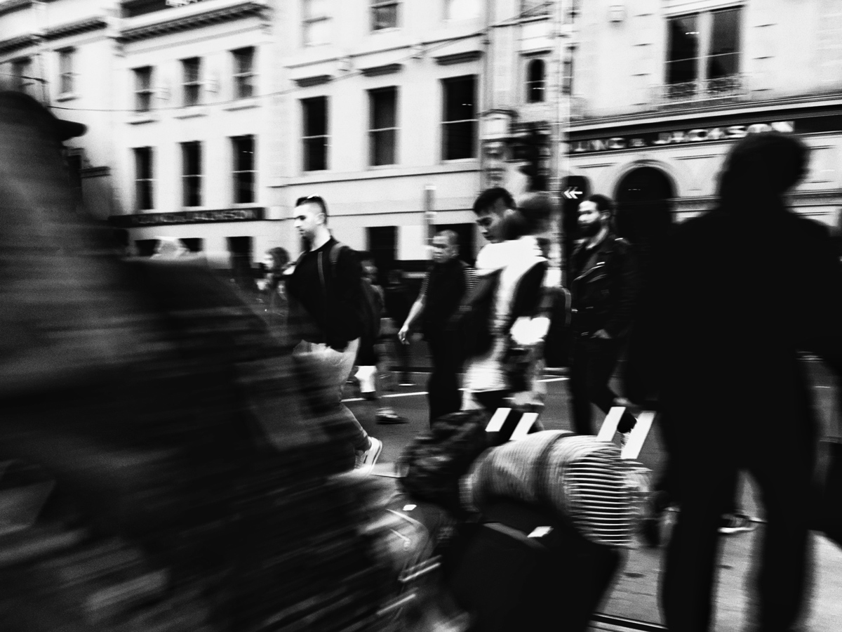 Street-Photography_Iphone_Melbourne-Candid-Relaxed-Fun-Elopement_Wedding-Photography_7