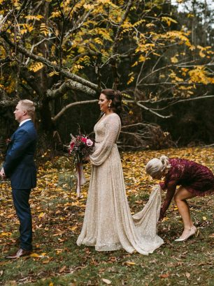 Gold&Grit_Kylie&Damien_Warburton-Autumn-Neon-Gold-Quirky-Luxe-Wedding34